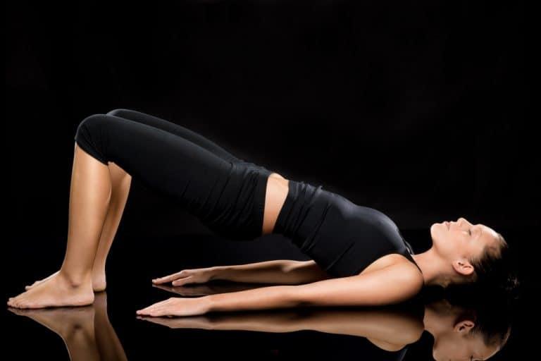 Le yoga du dos : avantages et bienfaits et 13 postures pour soigner le mal de dos