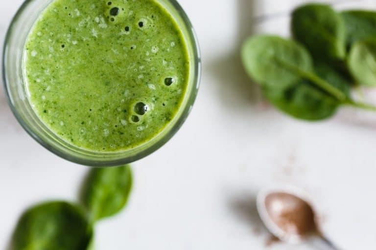 7 bonnes raisons de boire du jus de persil