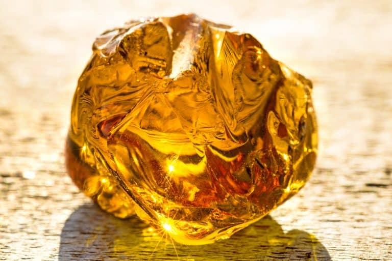 Propriétés et bienfaits de l'ambre
