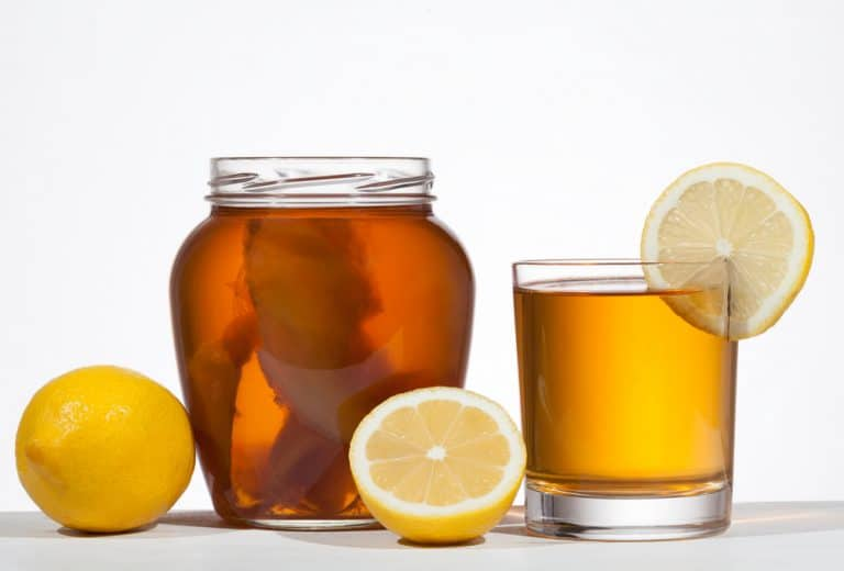 Kombucha : 7 bonnes raisons d'en boire (très souvent)