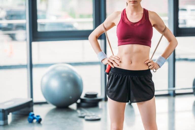 La corde à sauter : perdez du poids et développer votre cardio (+ les meilleurs programmes)